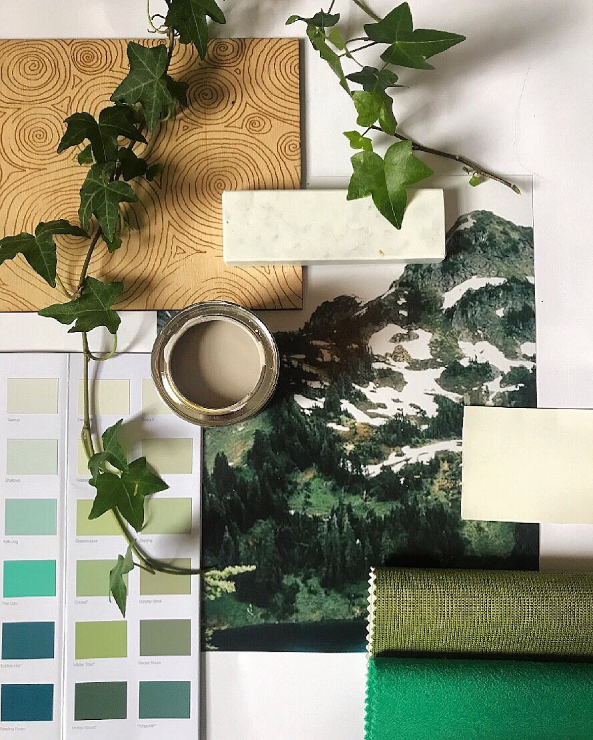 'Ponder' Magazine: A Nature-Inspired Mood-board